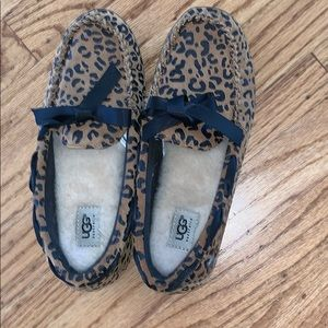 cheetah size 4 ugg slippers